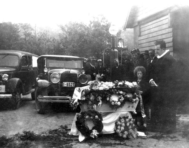 Begravelse i Lauviga.