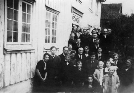 Asbjørns konfirmasjonsselskap, 1946.