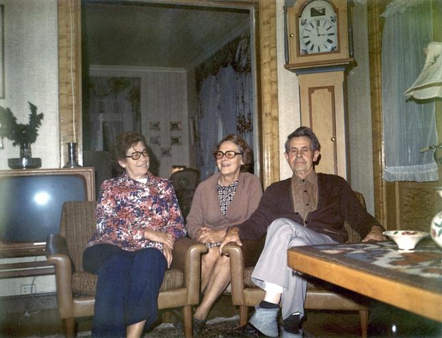 Gudrun Tveit (Egils mor), Astrid og Johan slutten av 60-tallet