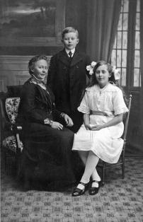 Inga (1871), Anders og Andrea.