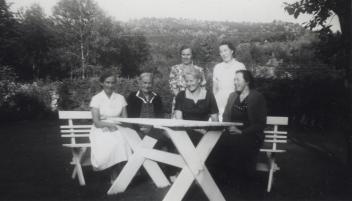 Margretha, Inga og Helena Johannessen, Torbjørg Grunde, Hedvig Johannessen og Eugenie Hellevik.