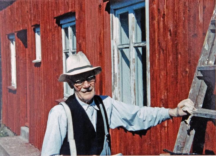 Martin maler uthuset i 1984 92 år