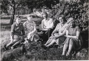 Borghild, Ingeborg, Bernhard, Ingeborg Olsen og Svanhild Gundersen