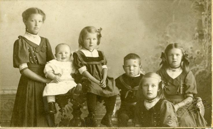 De 6 første barna til Johan