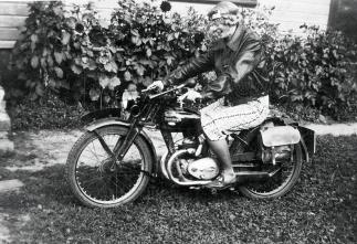 Gudny på sykkel