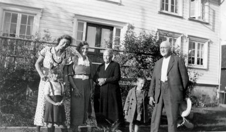 Gudny Skajaa, ukjent veninne, Karen Skajaa, Kjetil og Torjus