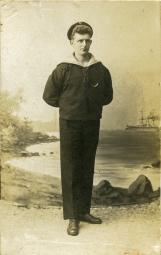 Ingvald som ung sjømann. Han ble stuert