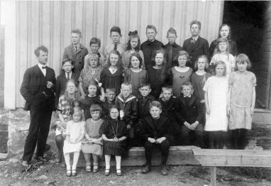 Klassebilde Kvåse skole med lærer Ørsland