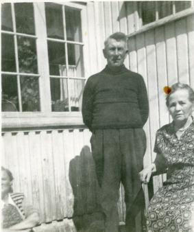 Ole og søstera Inga, til Eftevåg,litt av Anna i hjørnet