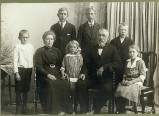 Søren Tobias og Martha med barn