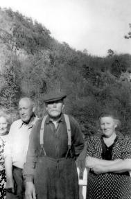 Tønnes, Daniel (Skarpegra) og Olga Isefjær