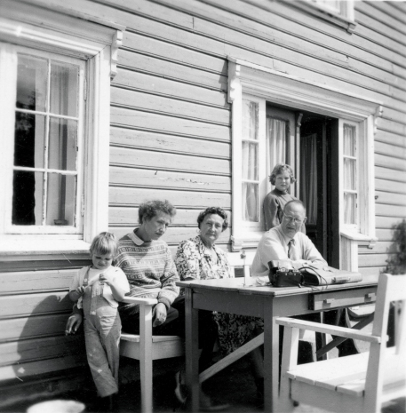 Tone Skajaa Rye, Karen Marie, Gudny, Torleif Skajaa, Trine Skajaa Rye ca 1965