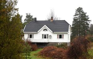 Dette er huset på eiendommen!(Ble dessverre en feil ved trykkingen)
