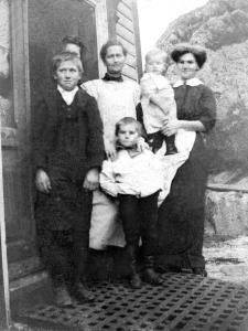 Nils Olsen med familie