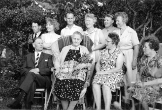 mormor-90-1967-13cmgraykorr
