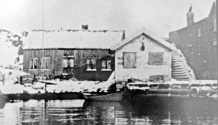 Gamlehuset på eiendommen