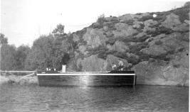 Roald Thomassen og Asbjørn Jørgensen i nybygd båt, Lasarus